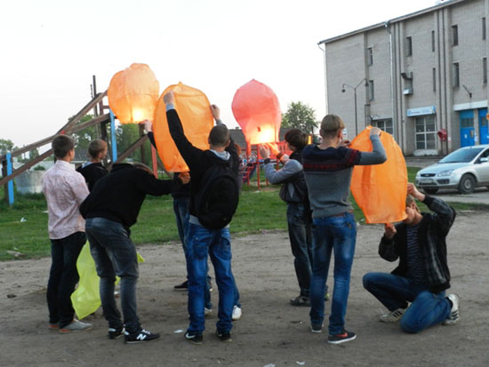 Воздушные шарики-фонарики