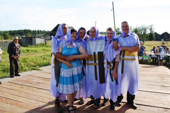 Праздник в Латышском