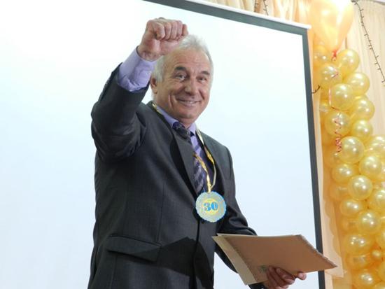 Директор школы Валерий Витальевич Шубин