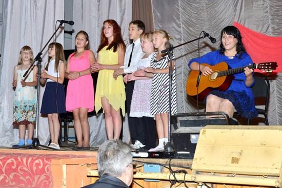 Даша Сорокина и группа поддержки