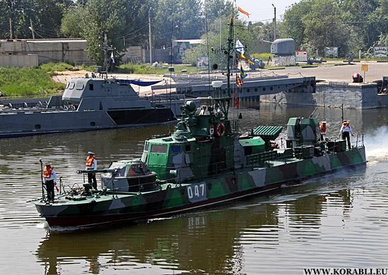 Корабли Каспийской флотилии отрабатывают задачи по противодиверсионной деятельности