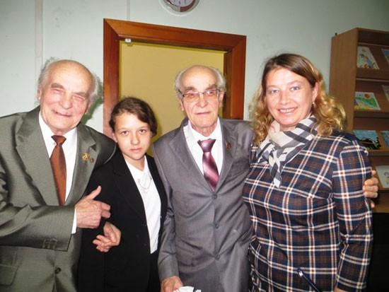 С братьями-близнецами Юрием и Виктором Дорофеевыми