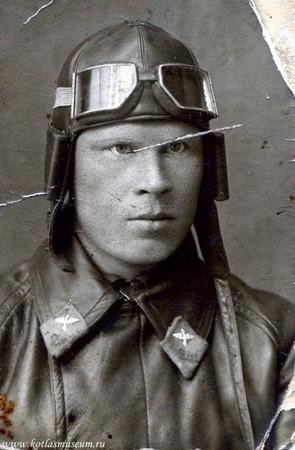Таким военный летчик Василий Иванович Щелкунов бомбил Берлин в 1941 году