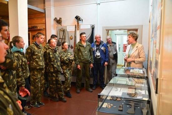 Экскурсию по музею проводит Наталья Ивановна Николаева