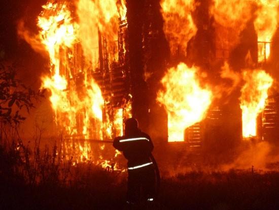 Сгорел нежилой дом