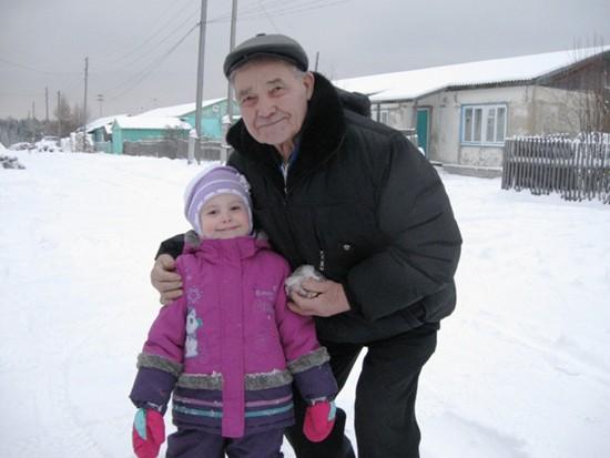 Ветеран с правнучкой Полиной