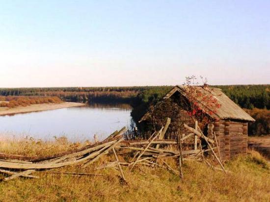 Сегодня эта картина деревенского разрушения уже не удивляет никого
