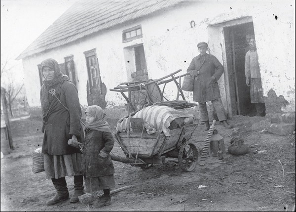 Фото из 30-х годов прошлого века: раскулачили