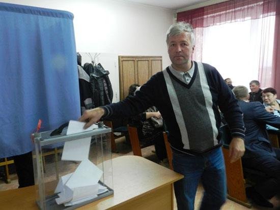 Голосует депутат А.М. Чубуков