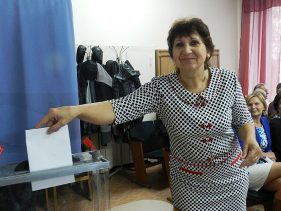 Голосует депутат М.Я. Герус