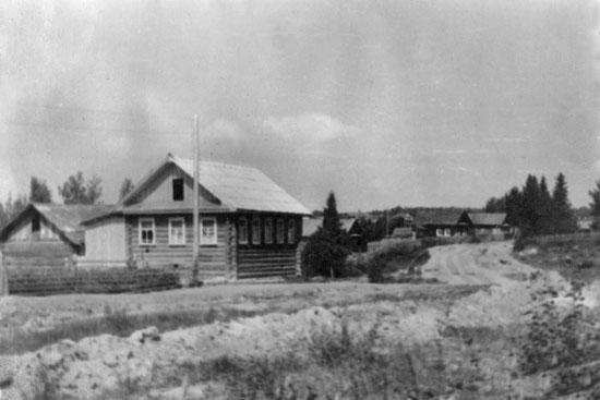 Так когда-то выглядела родная деревня Суровцевых – Нижняя Волманга: жила, строилась, верила в будущее