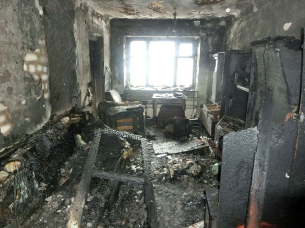 Пожар в двухэтажном доме