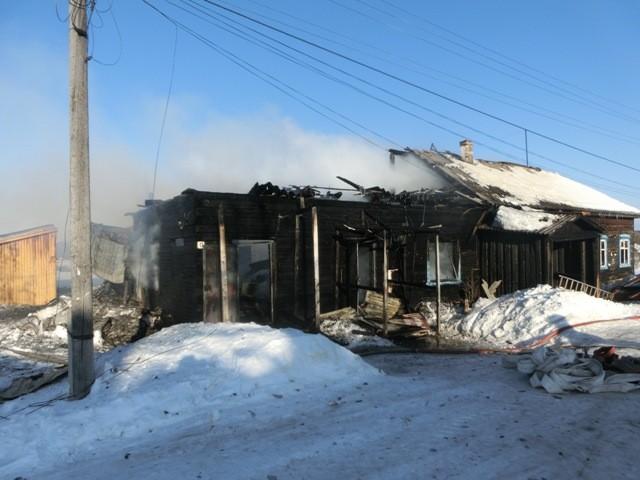 Сгорели магазин и почта