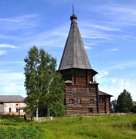 На снимке: церковь Дмитрия Солунского в Верхней Уфтюге.
