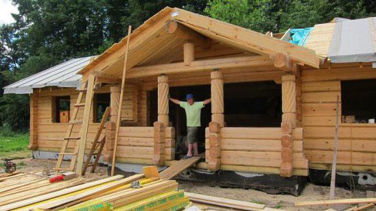 На снимке: одна из усадеб, построенная Н.В. Осенниковым