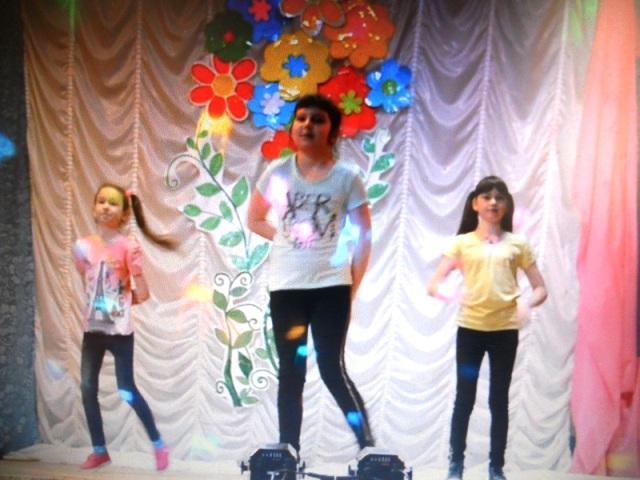Театральная весна