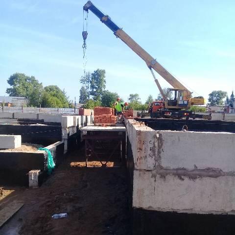 Детский сад-ясли в поселке Опарино строится