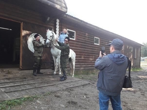 На снимке: первые лошади Даровского конно-спортивного клуба «Казачок»