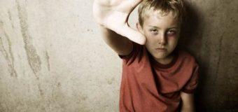 По вопросам жестокого обращения с детьми