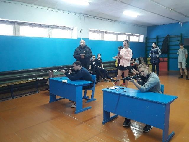 9 ноября в зале Опаринской средней школы прошел первый день второго этапа XII спартакиады Опаринского района.