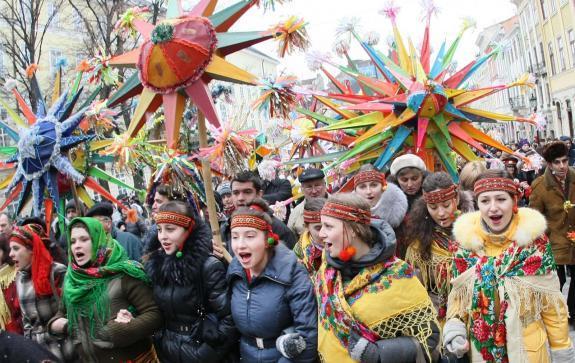 На снимке: Святки и для детей большой праздник.