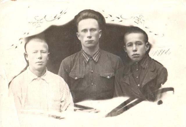 трое братьев Суслоновых