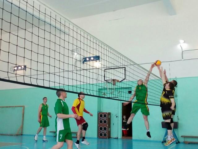 22 февраля прошли соревнования по волейболу
