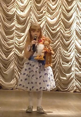 """Валерия читает стихотворение """"Мои игрушки"""""""