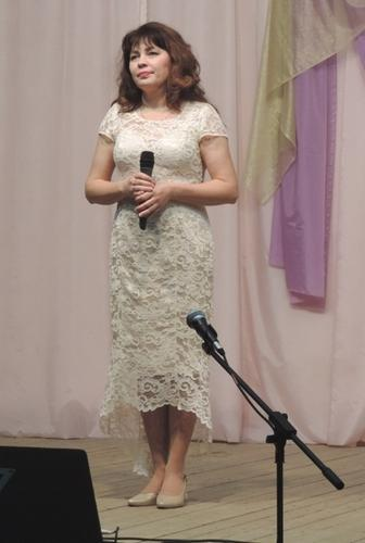 Елена Суя