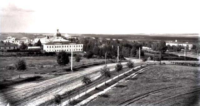 На снимке: Вятская губернская земская больница. Фото С.Любовикова.