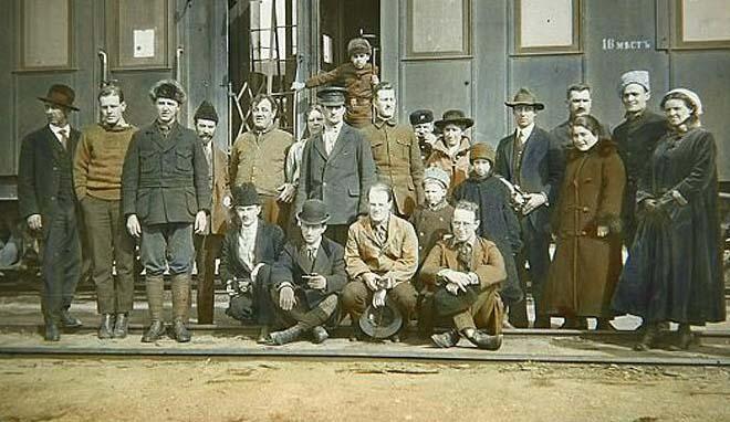 На снимке: в мае 1912 года Александр Грин возвращается в Петербург.