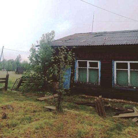 От ветра и грозы пострадал поселок Вазюк