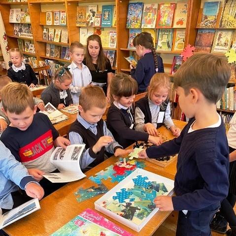 в Опаринской детской библиотеке