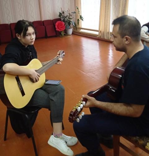 """Кружок гитаристов """"Аккорд"""" в Опарино"""
